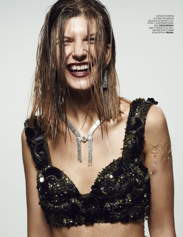 2-2014-Vogue Russia-2