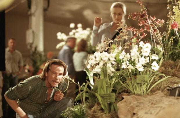 Chris-Cooper-and-Meryl-Streep-in-Columbias-Adaptation-2002-6