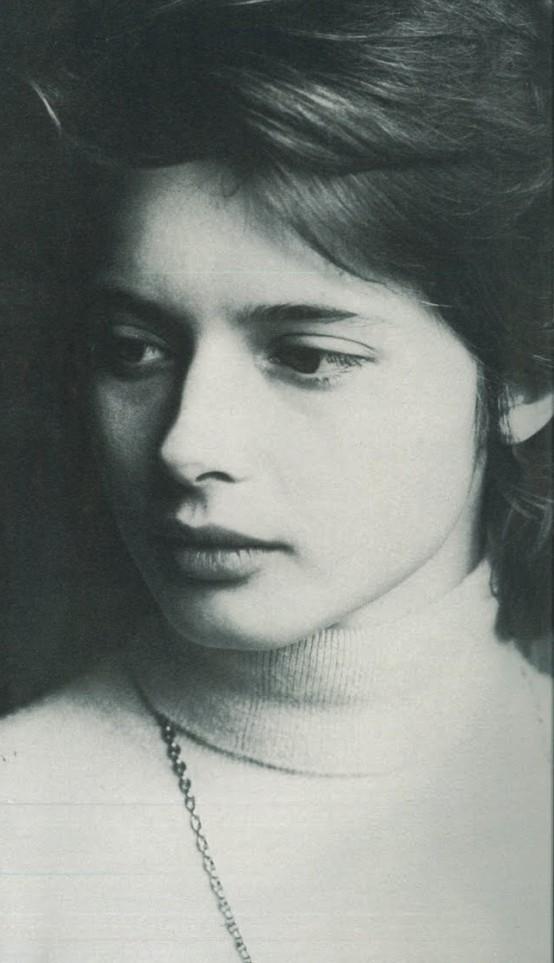 Isabella-Rossellini-R-by-Eva-Sereny-1973-554×963